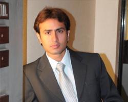 Avinash Tharani